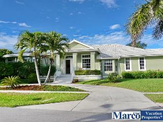 Five-bedroom house w/ heated pool & walk to Tigertail Beach, Marco Island