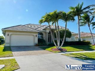 Picturesque summer getaway with heated pool, Marco Island