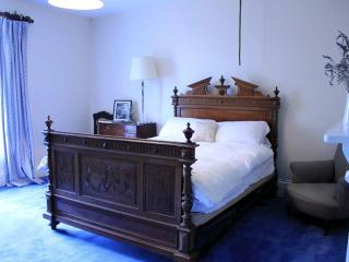 Twigworth Court B&B rental - blue room, Gloucester