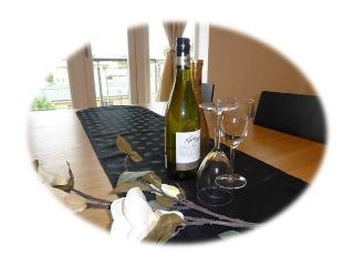 Bluewater Holiday Apartment with Balcony, Greenhithe