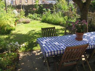 Delightful Cottage In The Heart of the village, Harberton
