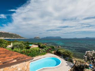 Villa with pool in front of the beach, Golfo Aranci