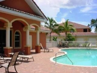 Great Location! Beautiful Condo! Fully Furnished!, Fort Myers
