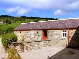 RIVER VIEW, country holiday cottage, with a garden in Pateley Bridge, Ref 924697