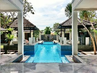 Huge Charming 7 Bedroom Villa - Andaman, Canggu