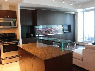 ~ Adults Only Harbourfront Luxury Condo w/Pool! ~, Toronto