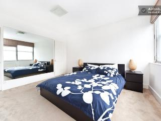 Notting Hill. 1 Bedroom, seconds from station., Londres