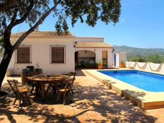 House with big plot  20 min from Benidorm, Benissa