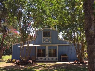 The Blue Barn at Myrtle Springs Mountain, Larue