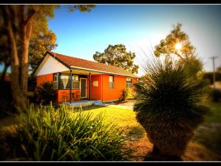 Garrys Cottage - home away from home, Perth