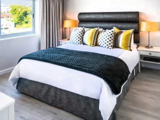 PARKHILL LUXURY SELF-CATERING APARTMENT, Cape Town