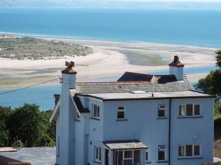 Holiday home rental with private pool & hot tub, Aberdyfi (Aberdovey)