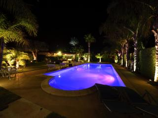 Villa Palme with Pool for 12 people Alcamo Marina