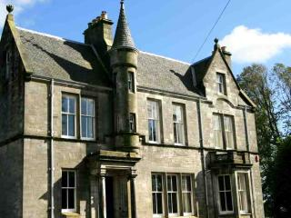 138-Impressive Country House, Dunfermline