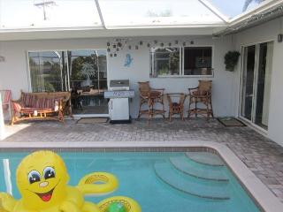 4 Brm 3 Bath Pool Home on Canal, Cape Coral