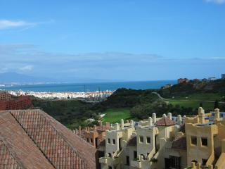 Luxury Penthouse with Sea & Golf Views - Duquesa, San Luis de Sabinillas