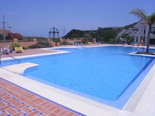 Large Ground Floor Apartment, Big Terrace, Duquesa, San Luis de Sabinillas