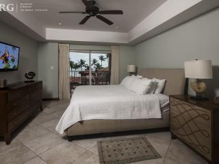 Vista Mar Condo, Center of Jaco!