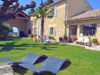 Sérignan north Vaucluse, High level standing country house 12p private pool, Serignan-du-Comtat