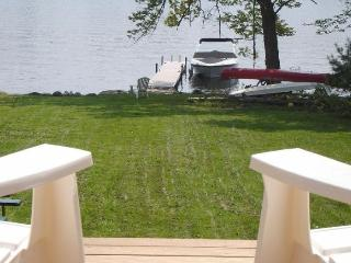 Fun Family Wolfeboro Village Waterfront Cottage