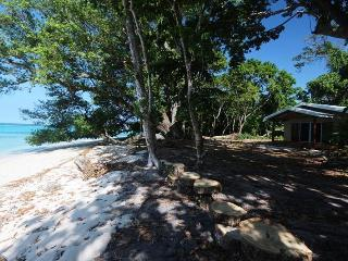 Sands Beach House, Luganville