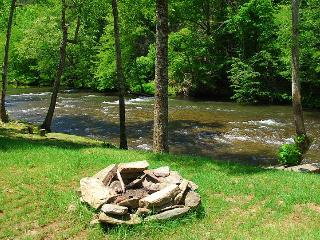 River Edge, Pigeon Forge