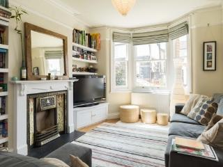 4 bedroom house, March Road, Twickenham