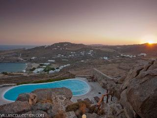 Phaedra - Spacious villa with private pool, Mykonos Town