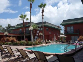 Redington Beach, FL, Condo