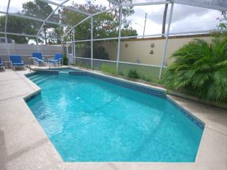 Mickey's Tropical Paradise, Wonderful Retreat with Jacuzzi, Kissimmee