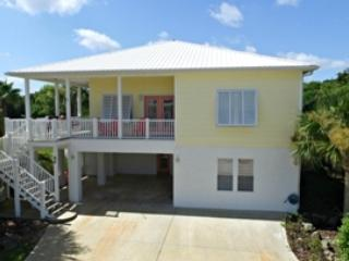 Perfect Beach Vacation 4/3 W 2 Master Suites, Palm Coast