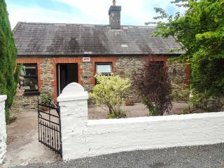 LITTLE PILMORE COTTAGE, single-storey, detached, woodburner, romantic retreat, near Youghal, Ref 922886