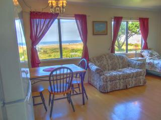 The Searose: Affordable 1BR Oceanview Cottage, Yachats