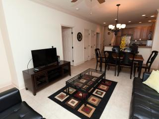 Beautiful, spacious but cozy 4 bed townhouse!!, Davenport