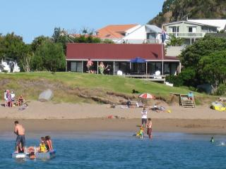 Bay of Islands Beachfront - Tapeka del Mar, Russell