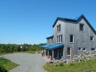 Blue Tin Roof Bed & Breakfast, Livingstone Cove,NS, Antigonish