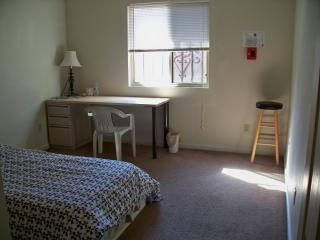 Private Room Save Money Travel., Sacramento