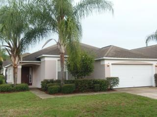 4 Bed 3 Bathroom Pool Home in Golf Community, Haines City