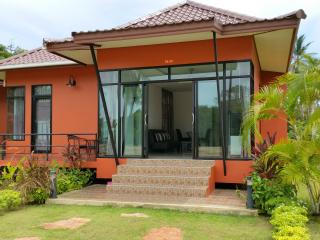 Brand New Tropical House 1 Bedroom, Surat Thani