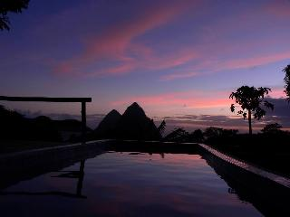 Honeymoon cottage,amazing views,private pool, Soufrière