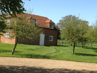 South Hidden Farm cottage, Shefford Woodlands