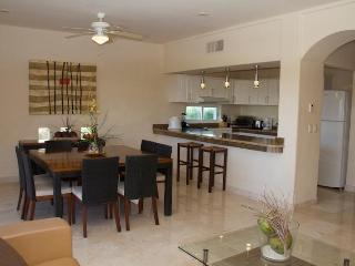 Amazing Condo with Marina View, Puerto Aventuras