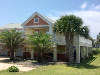 Casa Girasol, cute & cozy perfect for your getaway, Pensacola Beach