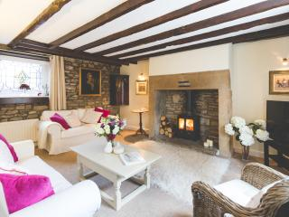 Mr Foggs, luxury self catering in village centre, Corbridge