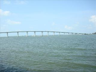 Waterfront Luxury Condo Minutes to Sanibel Island, Fort Myers
