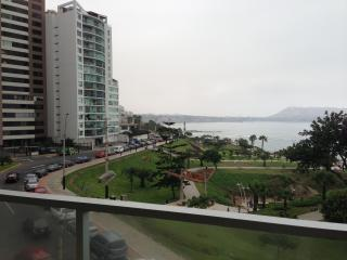 4 bedroorm awesome ocean view furnished/equipped, Lima