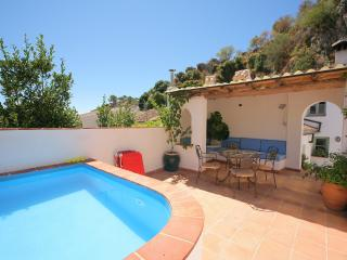 Superb Mountain Village House with Private Pool, Montejaque