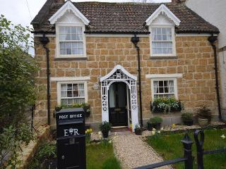 CLECO Cottage in Castle Cary, South Cheriton