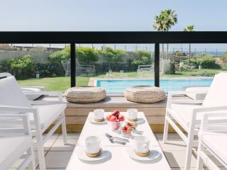 04 Seafront, golf, swimming pool, Golf del Sur
