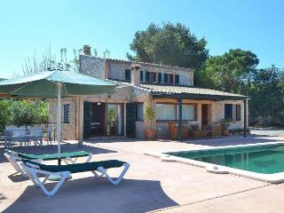 121 Beautiful refurbished country house. Sea views, Port d'Alcudia